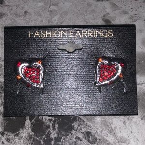 Jewelry - NWT ♥️ Earrings!